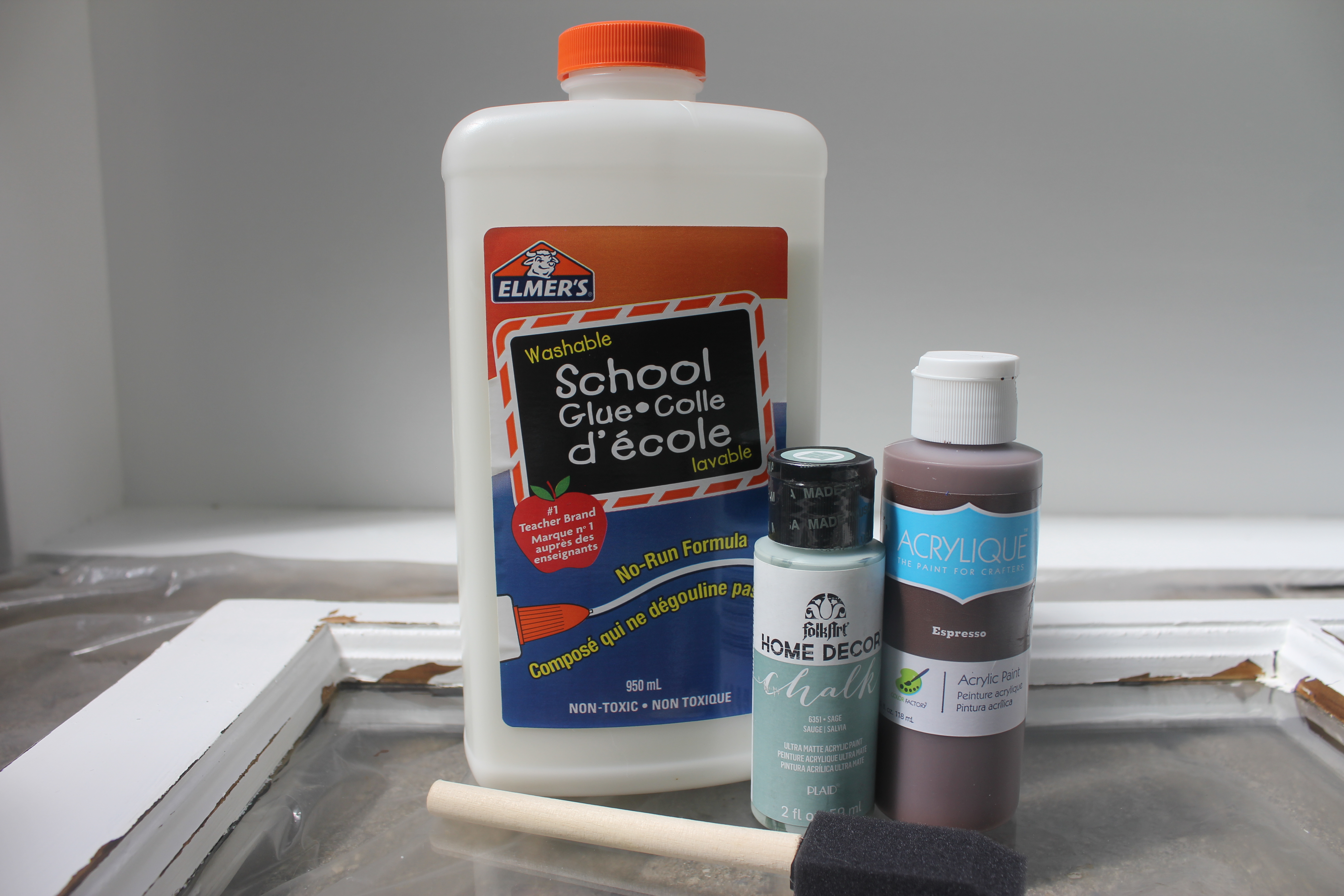 How to crackle paint on wood