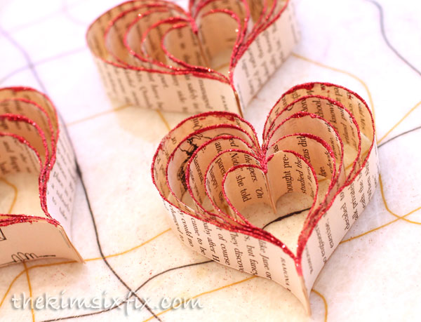 15 DIY Valentine Decor Ideas